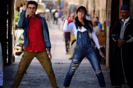 WITH A MINBLOWING NARRATIVE STRUCTURE, JAGGA JASOOS SCORES IN ITS PRESENTATION…!