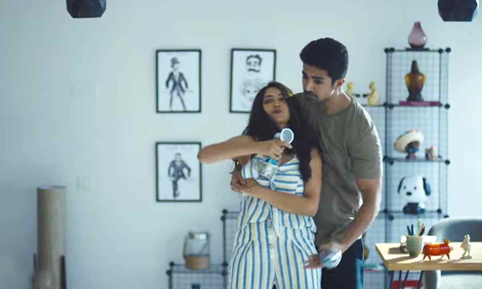 Comedy couple, zee5, review, film, hindi, 2020